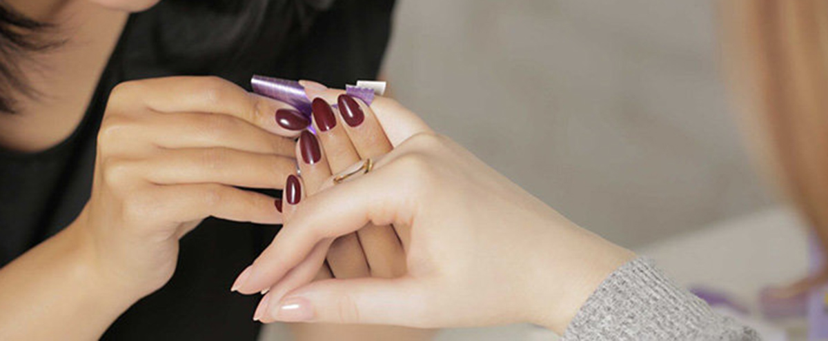 https://www.opi.com/OPI%20Pro%3A%20Salon%20Tips%20For%20The%20Holiday%20Season
