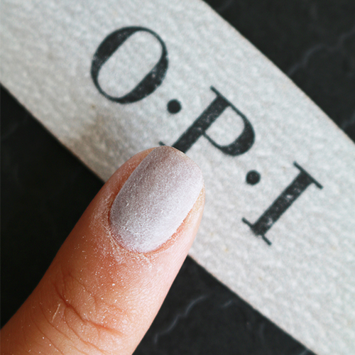 https://www.opi.com/Why%20You%20Shouldn%E2%80%99t%20Remove%20Your%20Gel%20Manicure%20at%20Home