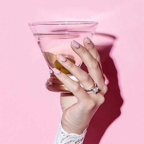 Wedding Nails - The 5 Designs You Need to Try Now: Glitter Girl