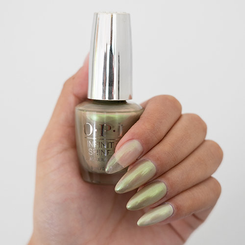 How to layer OPI Neo-Pearl Collection