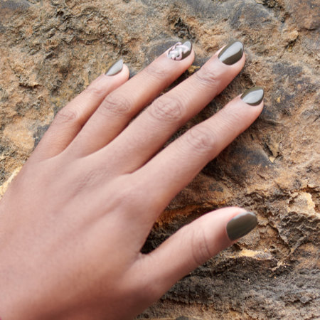 Linework Nail Art: Are You Celtic or Knot?