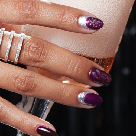 Glitter & Minimal Nail Art: Joy to the Girls