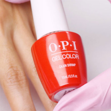 Shake GelColor shade of choice vigorously for 1 minute