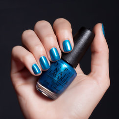 Venice Collection on OPI | Venice the Party? Hand Swatch
