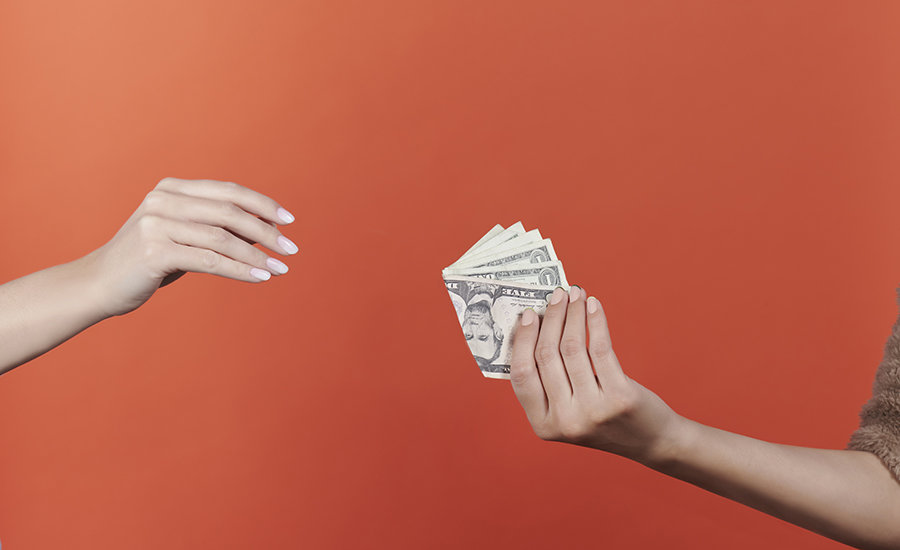 Nail Salon Tipping: The Rules