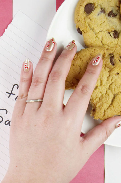 Get the look: Candy Cane Can-Do