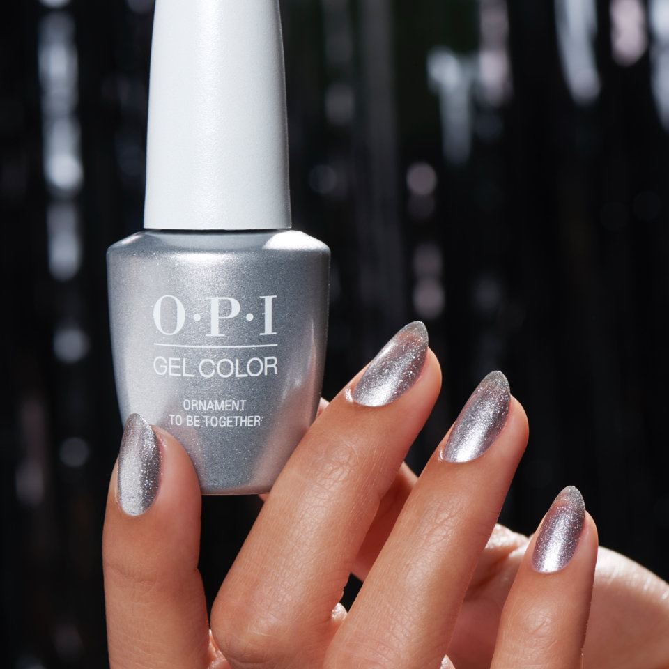Holiday gel polish nail art by OPI