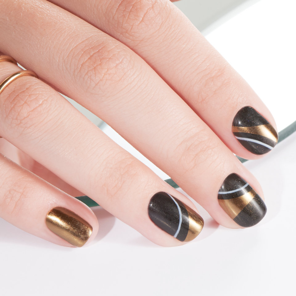Beauty Blog After Boasted The Novelty Of This Newly Found Innovation In Nails Like A Myriad Trends Before It Mirror Mani