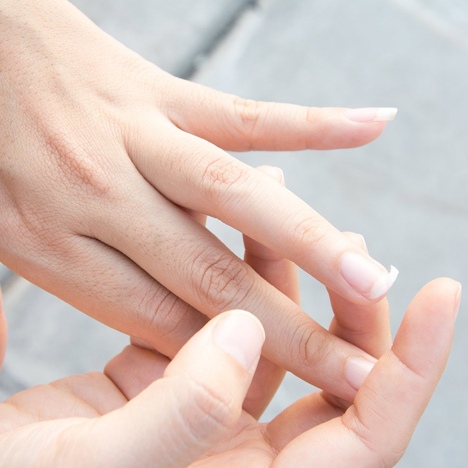 OPI Clinic: How to Fix a Broken Nail